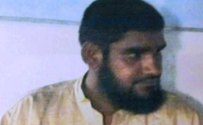 kashmir-terrorist-captured-alive_650x400_71469563332