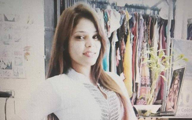 Decomposed body of actress found at her Mumbai house