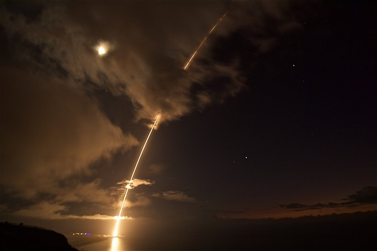 US Navy Shoots Down Missile Off Hawaii in Test