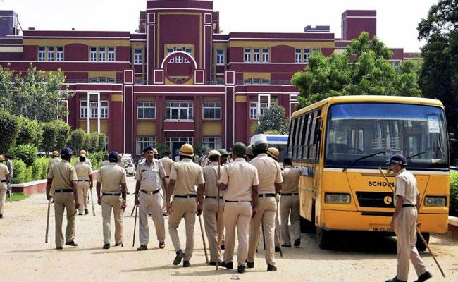 KTS Tulsi seeks transfer of case outside Haryana