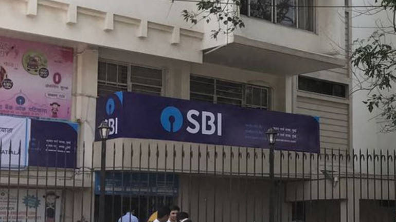 SBI under pressure to lower minimum balance requirement
